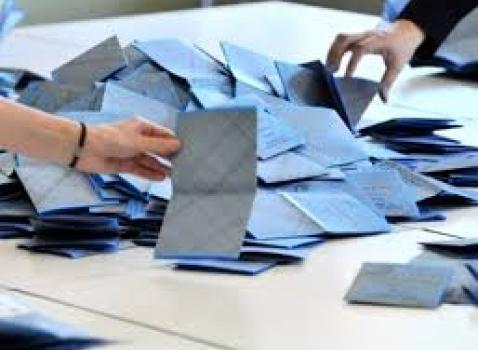 Immagine schede elettorali